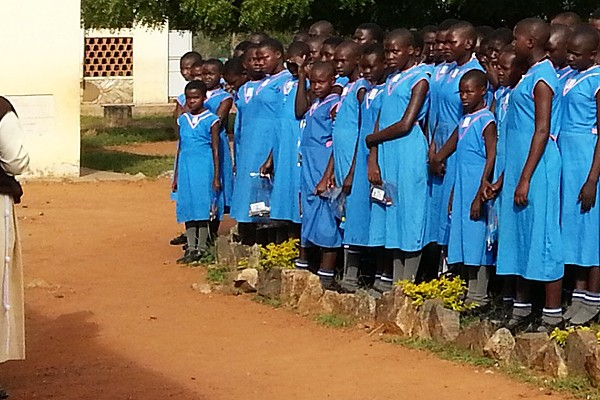 Piger i Madera-skolen i Uganda