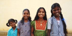 Piger på børnehjemmet i Kariyalur i Indien