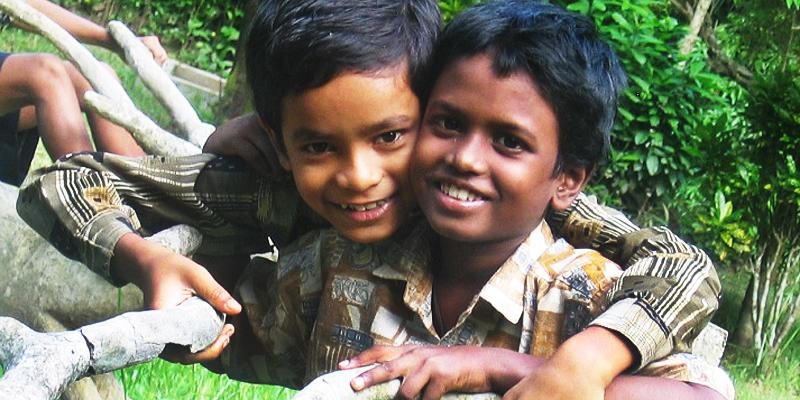 Børn leger i Khelaghar i Indien