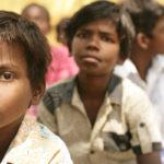 Elever i Khelaghar i Indien