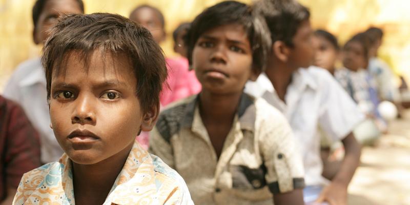 Børn i Khelaghar i Indien