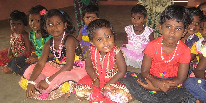 Børn tilknyttet Sct. Joseph-projektet i Indíen