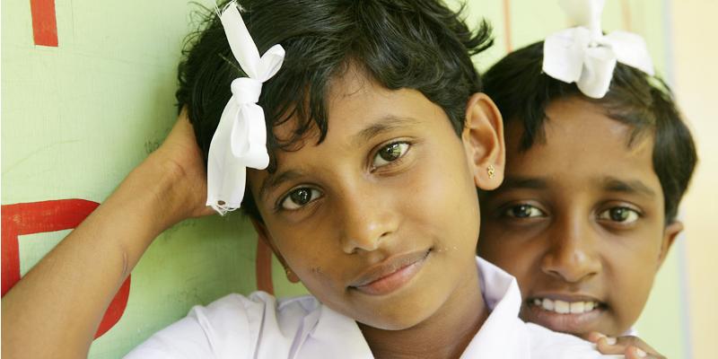 Børn i Senkadagala-skolen for døve og blinde i Kandy i Sri Lanka
