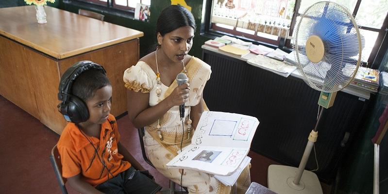 Undervisning på døveskolen ved Colombo i Sri Lanka