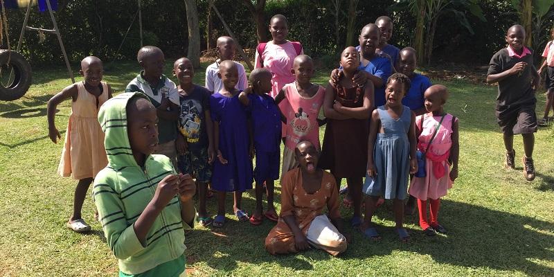 Børn i skolen i Entebbe i Uganda
