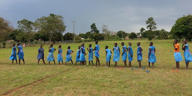 Sportsplads på skolen i Madera i Uganda