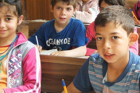 Boern I Skole I Mechka I Bulgarien 2.jpg